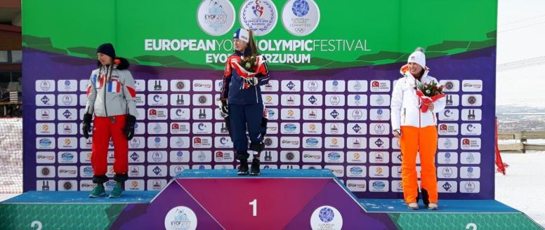Česko slaví první medaili na Evropském olympijském festivalu mládeže! Sjezdařka Bubáková vybojovala bronz